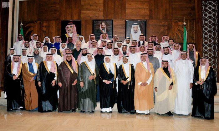 """عام / الأمير سعود بن نايف يدشن مبادرة """"نقوش الشرقية"""" خلال مجلس الاثنينية الأسبوعي"""