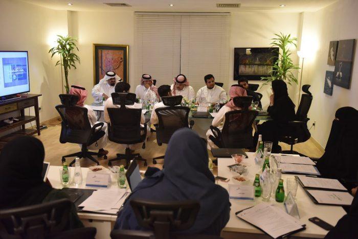 حوار الساعة مع قادة الفرق التطوعية يستبدل مفهوم التطوع من التقليدية إلى المسؤولية